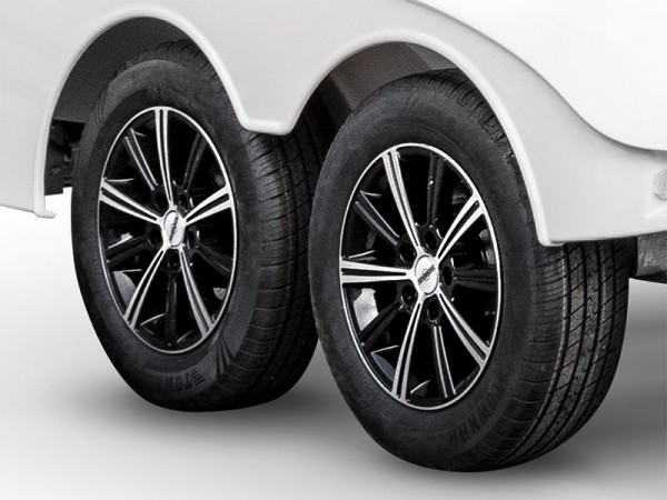 Rädersatz Alufelgen silver/black statt Stahlfelgen 15 Zoll (2000 bis 2700 kg)